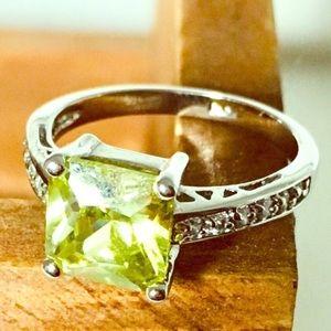 🎉HP x 2🎉!! NWOT RS Covenant Appletini ring